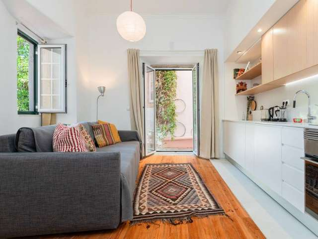 Bright 2-bedroom apartment for rent in Santo António, Lisbon