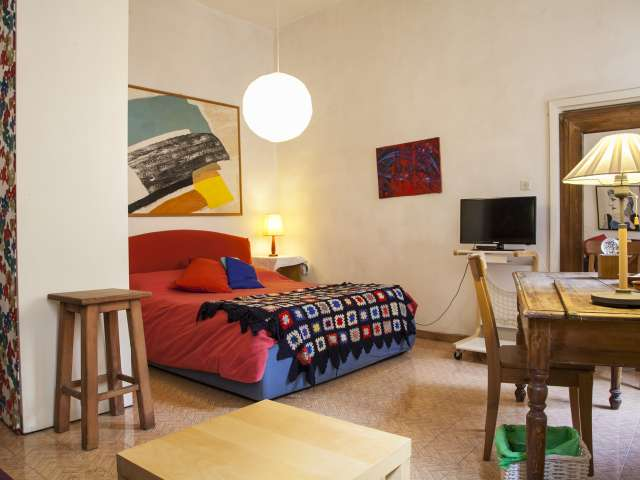 Cosy studio apartment for rent in central Monti, Rome