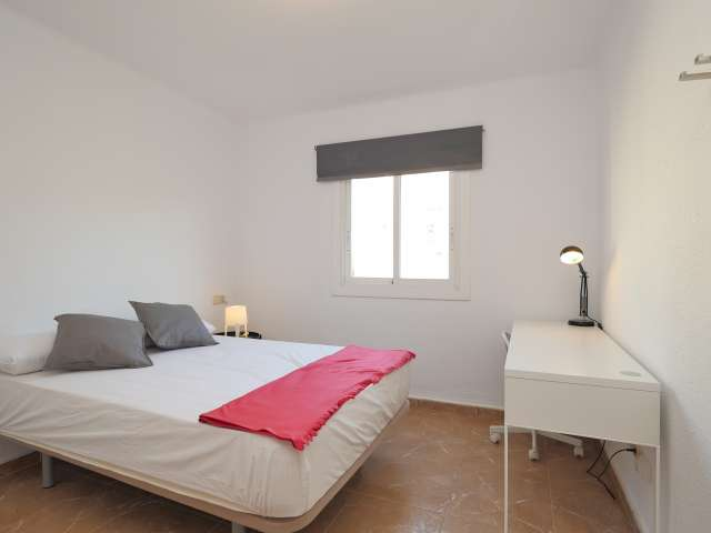Spacious room in 6-bedroom apartment in Poblenou, Barcelona