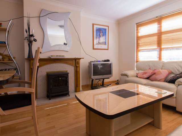 2-bedroom house with garden to rent - Downtown, Dublin