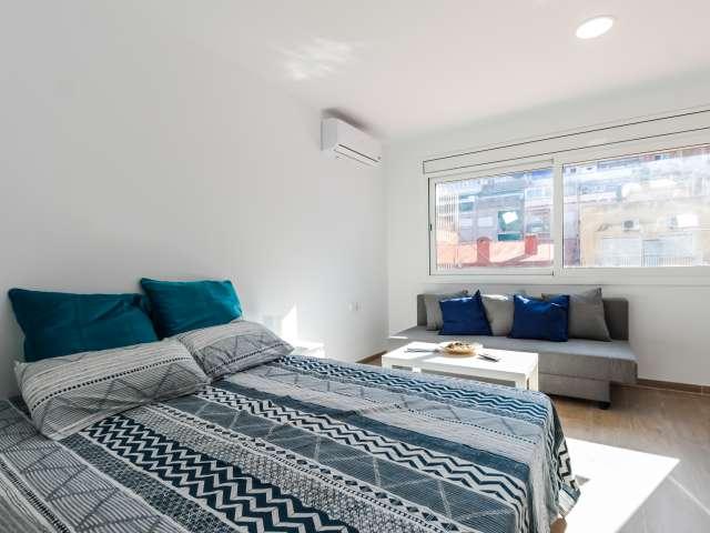 Cool studio apartment for rent in Sants, Barcelona