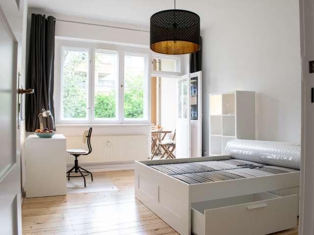 Helles Zimmer in einer Wohnung mit 2 Schlafzimmern in Pankow, Berlin