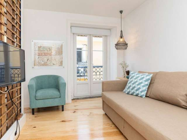 Pretty 2-bedroom apartment for rent in Castelo, Lisbon