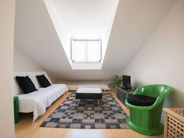 1-bedroom apartment for rent in Madragoa, Lisbon