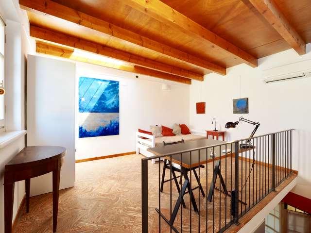 Elegant, chic studio apartment for rent in Duomo, Milan