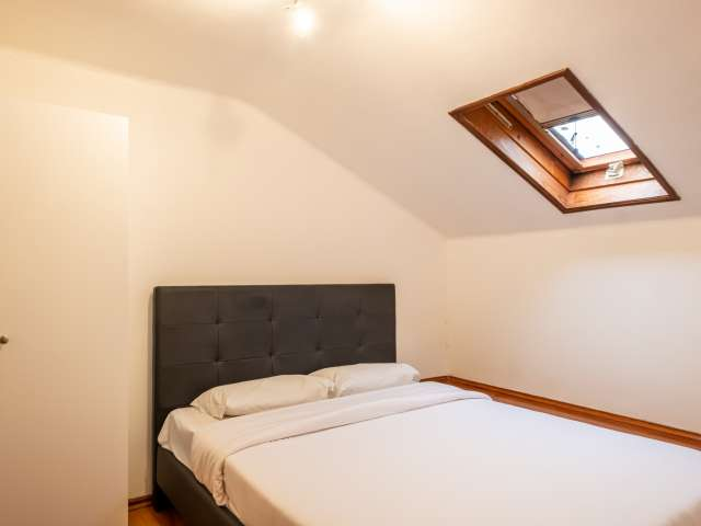 Quarto para alugar em apartamento de 5 quartos, Graça, Lisboa