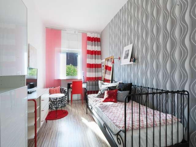 Gemütliches Zimmer zur Miete in einer Wohnung mit 6 Schlafzimmern, Treptow