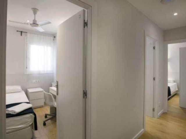Cute room for rent in 6-bedroom apartment, Gràcia, Barcelona