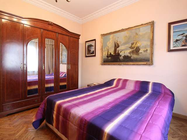 Spacious room for rent in Usera, Madrid