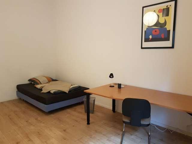 Zimmer zu vermieten in großer Wohnung in Pankow, Berlin