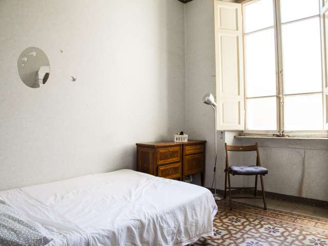Rooms for rent in 4-bedroom apartment, Centro Storico, Rome