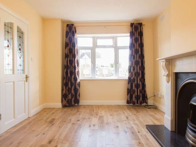 Red-brick, 3-bedroom house to rent - Clonsilla, Dublin