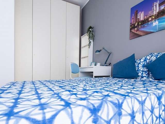 Camere in affitto in appartamento con 4 camere da letto a Greco