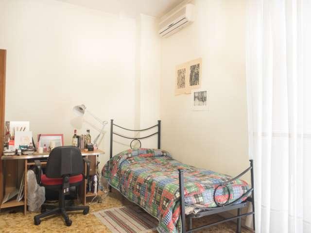 Posti letto per donne in un appartamento economico vicino all'Università di Roma