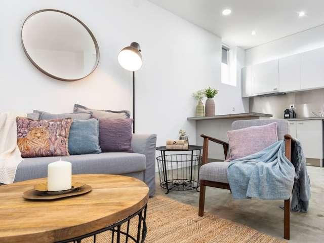 Modern 1-bedroom apartment for rent in Campolide, Lisbon