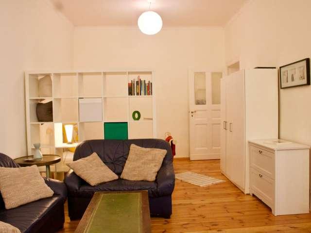Studio-Wohnung zur Miete in Charlottenburg-Wilmersdorf