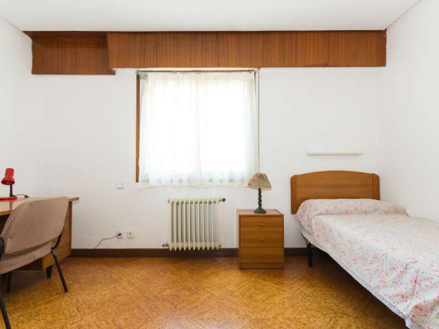 Logement en appartement partagé à Ciudad Universitaria, Madrid