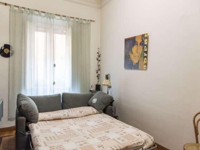 Camera in affitto in appartamento con 2 camere da letto a Prati, Roma