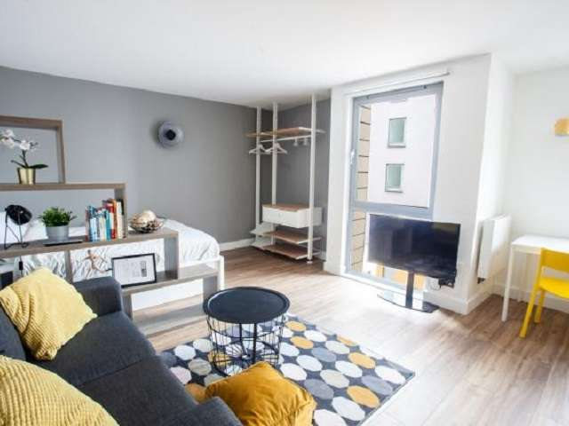 Studio flat for rent in Deptford, London
