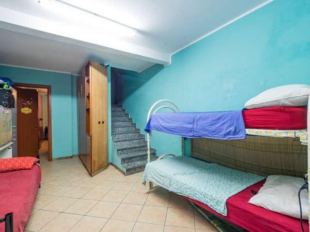 Zimmer mit 3 Schlafzimmern in Sesto San Giovanni, Mailand