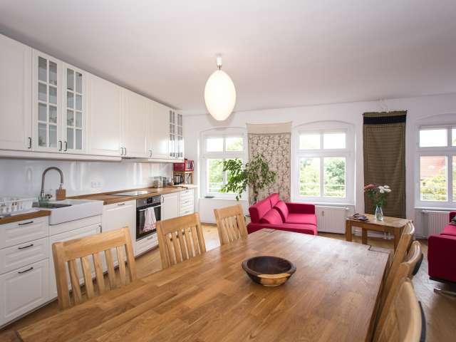 Traditionelle Wohnung mit 2 Schlafzimmern zu vermieten in Pankow