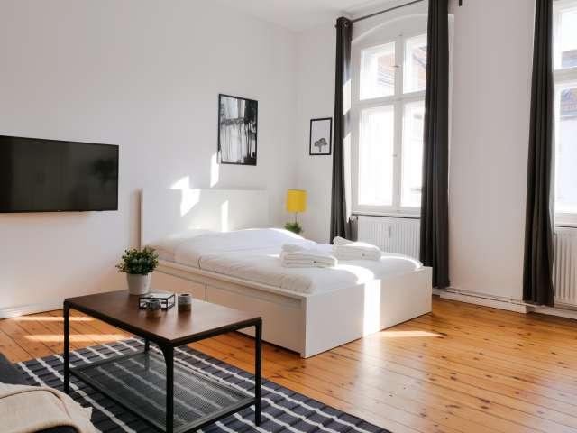 Helles Studio-Apartment im trendigen Neukölln zu vermieten