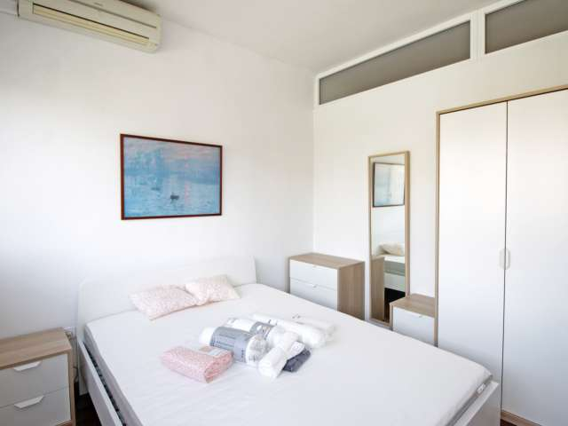Equipped room in shared apartment in Sant Andreu, Barcelona