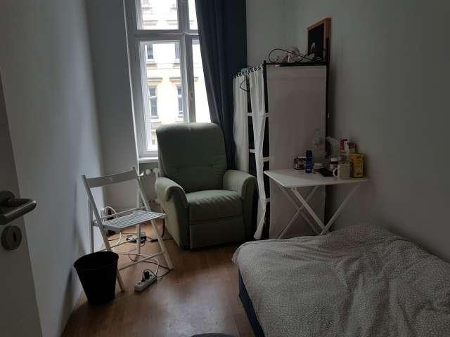 Zimmer zu vermieten in 4-Zimmer-Wohnung in Moabit, Berlin
