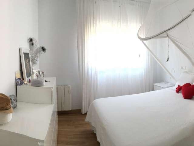 Room in 3-bedroom apartment in Badalona, Barcelona