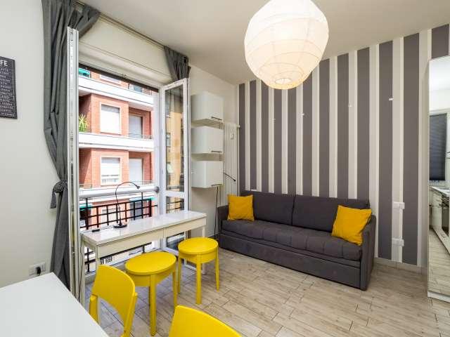 Stylish studio apartment to rent with balcony in Città Studi