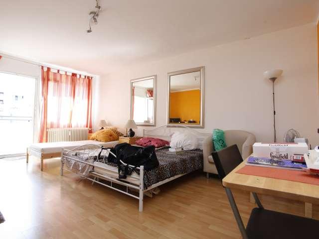 Riesiges Studio-Apartment zur Miete in Charlottenburg, Berlin