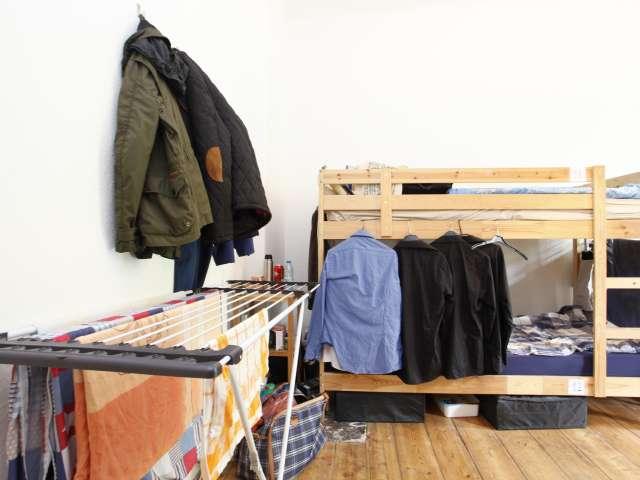 Dekoriertes Zimmer in einer Ferienwohnung in Treptow-Köpenick