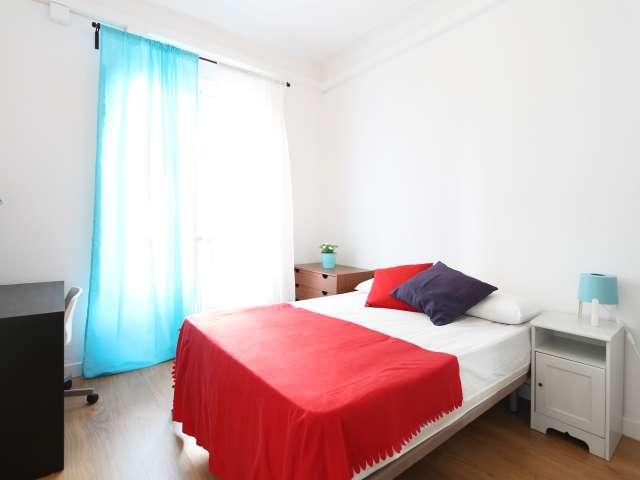 Habitación soleada en alquiler en Salamanca, Madrid