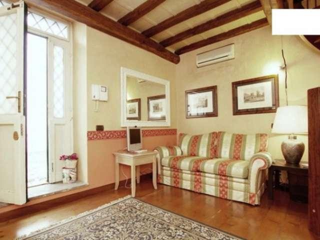 Elegante monolocale in affitto nel Centro Storico, Roma