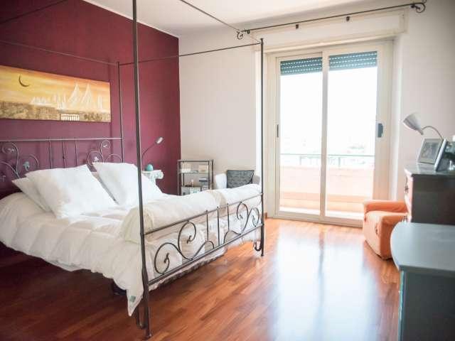Camera doppia in appartamento con 3 camere da letto a Pigneto, Roma