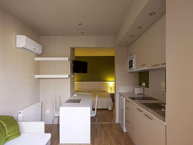 Excellent studio apartment for rent in Gràcia, Barcelona