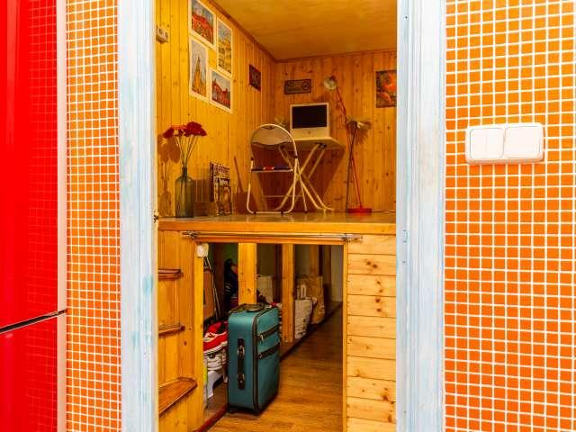 Room for rent in apartment in L'Esquerra de l'Eixample