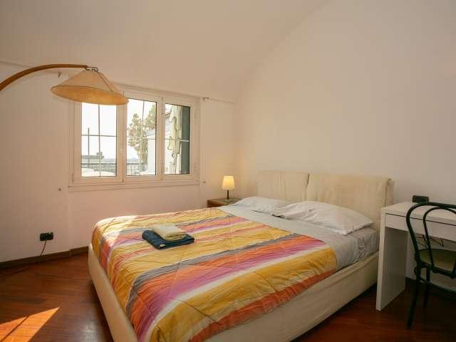 Room to rent in 3-bedroom apartment in Gorla, Milan