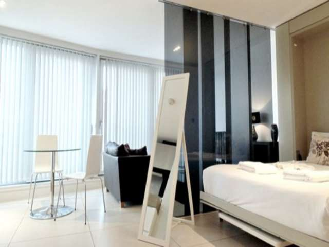 Studio Apartment for rent in Old Street, London
