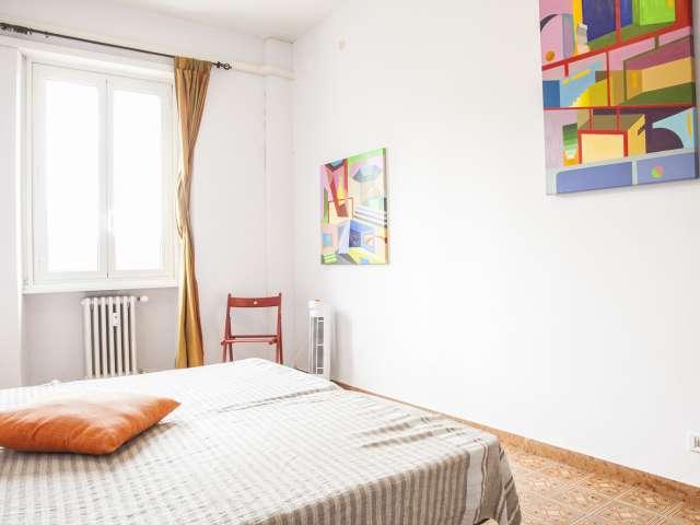 Stanza soleggiata in affitto in appartamento a Pigneto, Roma