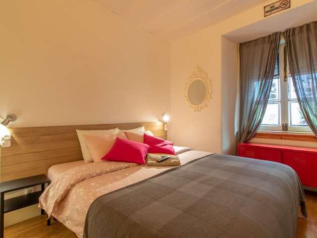 Quarto para alugar em apartamento de 3 quartos em Graça e São Vicente