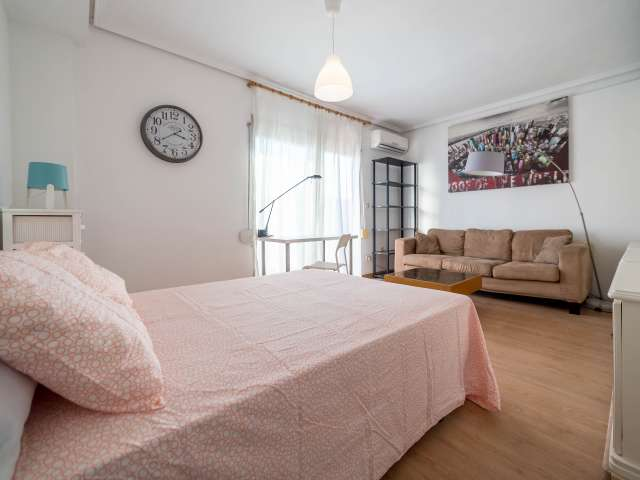 Amplia habitación en piso compartido en Poblats Marítims, Valencia