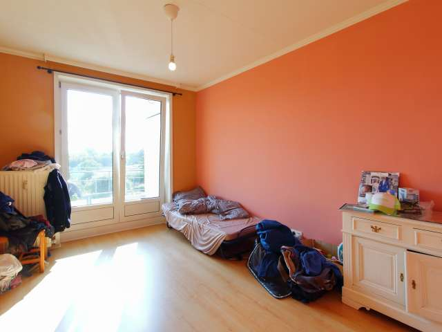Sunny room for rent in Molenbeek-Saint-Jean, Brussels