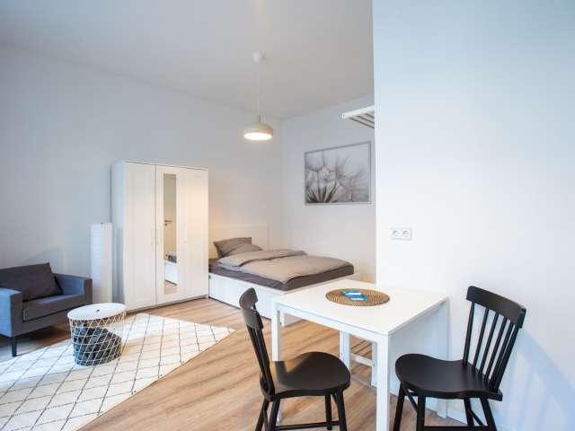 Studio-Apartment zu vermieten in Reuterkiez, Berlin