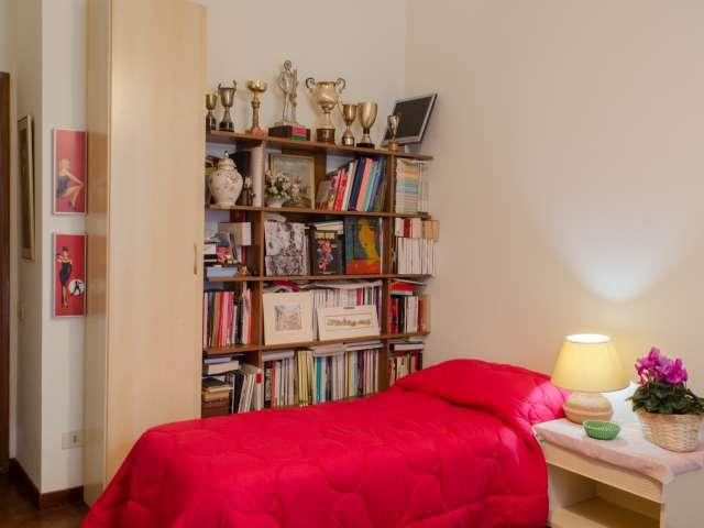Camera arredata in appartamento a Trastevere, Roma
