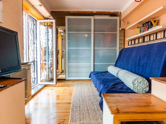 Studio apartment with terrace for rent in Sants, Barcelona