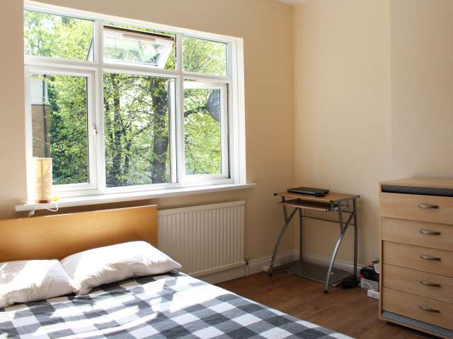 Furnished room in shared flat in Tottenham, London