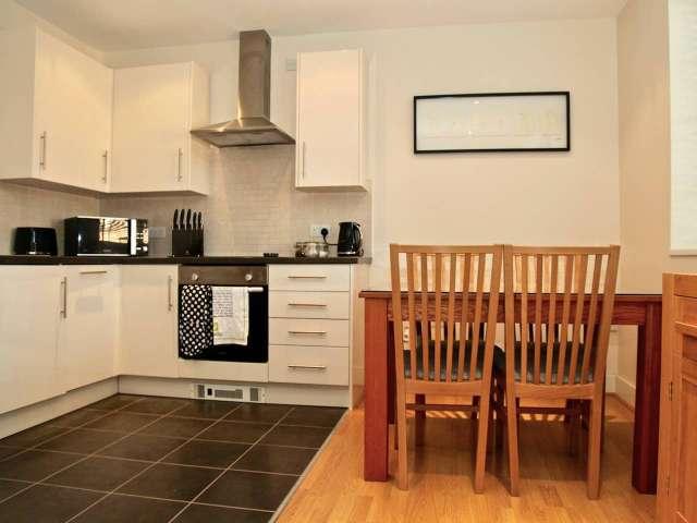 2-bedroom flat to rent in Islington, London