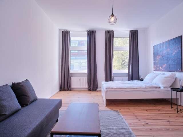Studio-Wohnung zur Miete in Charlottenburg