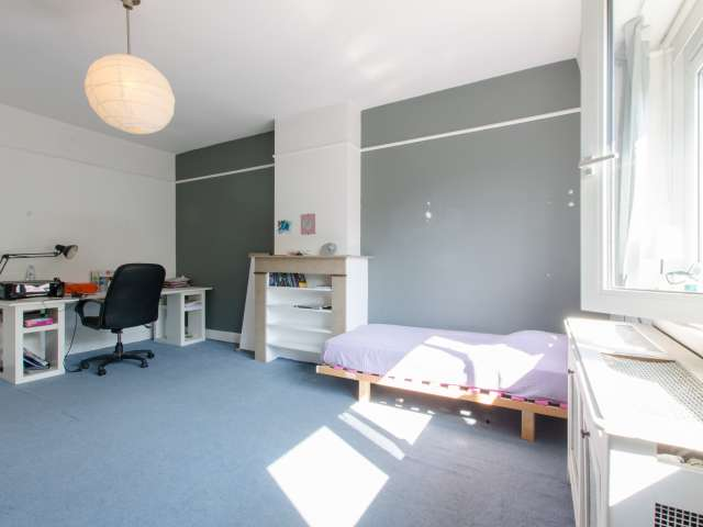 Furnished room in apartment in Schaerbeek, Brussels